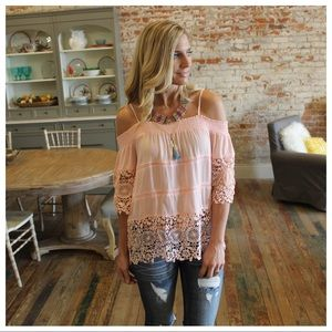 ✨RESTOCK✨Blush lace detail off shoulder top